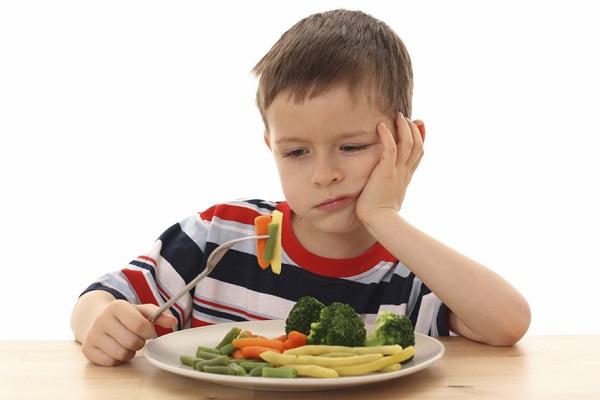 Tips Agar Si Kecil Mau Makan