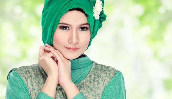 258368_ilustrasi-wanita-hijab_663_382
