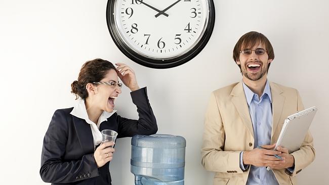 duduk terlalu lama, 5 Hal Ini Hilangkan Rasa Nyeri Karena Duduk Terlalu Lama Di Kantor